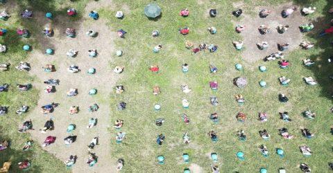 প্রধানমন্ত্রীর আহ্বানে ১ হাজার পরিবারকে ঈদ উপহার দিলো যুবলীগ
